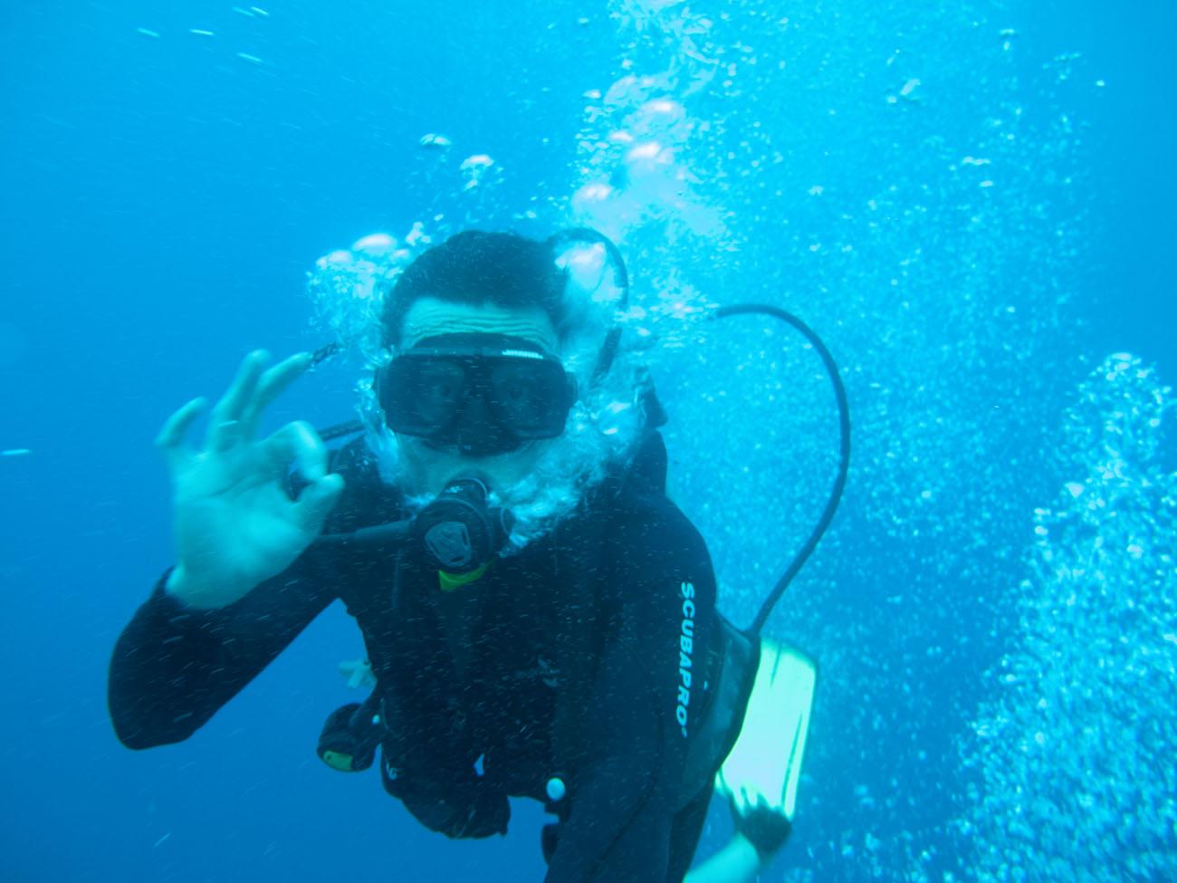 Diving okay signal